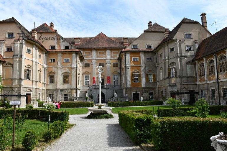 Baročni posebnež: Dvorec Štatenberg